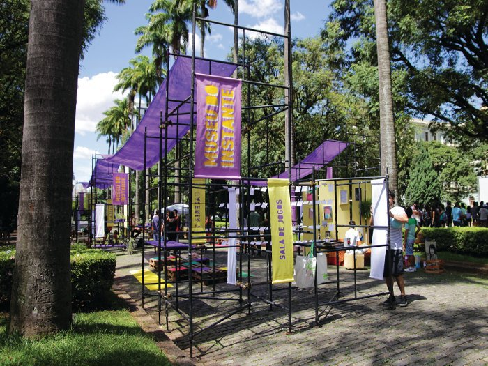 DOBRA architects installed Museu Do Instante, a one-day event in Belo Horizonte's Praça da Liberdade to display unusual objects