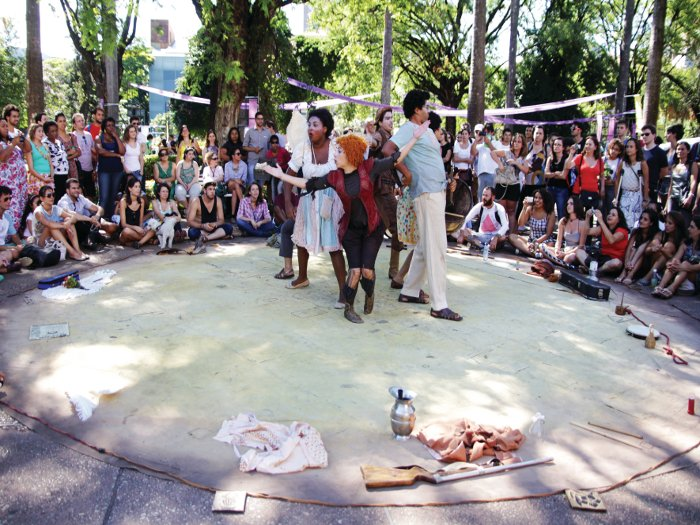 Staged events attracted new visitors to Praça da Liberdade for DOBRA's installation