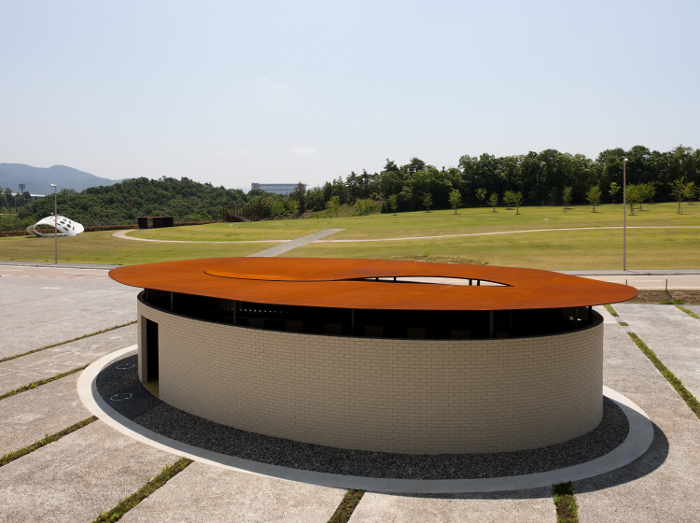 The world\'s 10 best public toilets for 2014 - DesignCurial