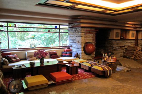 Fallingwater-organic-architecture-designcurial