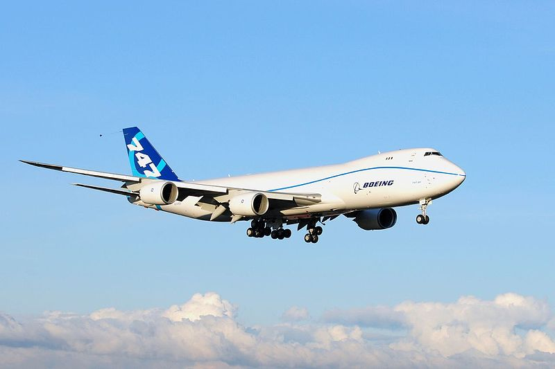 747-8 airliner