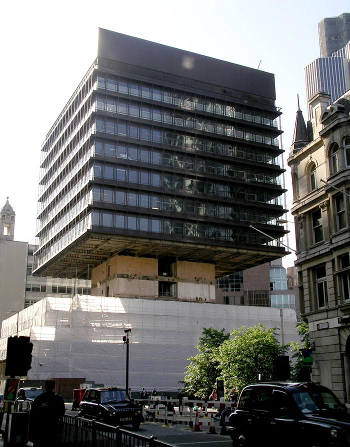 The Cheesegrater occupies the 3,000 sq m site of the P&O Building, here seen in May 2007 during its bottom-up demolition