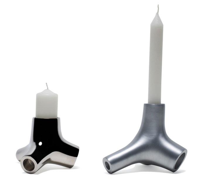 Knuckle candlestick holder (2000). Photo Credit: Job Jonathan Schlingemann www.splinter.tv