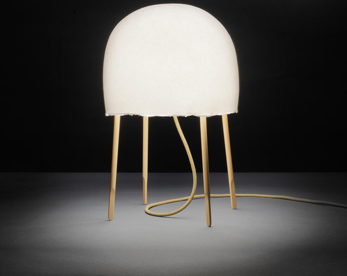 Foscarini, Kuraghe (Jellyfish) by Nichetto and Nendo. Unusually for Foscarini this delicate light is paper, not glass
