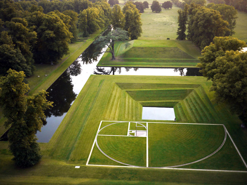 Landscape artist Kim Wilkie created Orpheus, an inverted pyramid of grass steps descending to a pool of water, at Broughton Park, Northamptonshire for the Duke of Buccleuch.Photo Credit: Kim Wilkie.