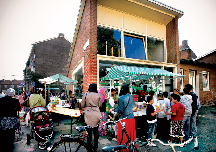 As garden spaces were opened up, independent traders found new economic and cultural vibrancy