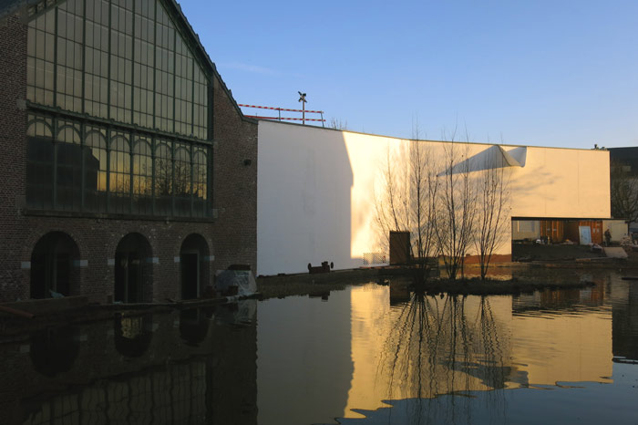Reflections at the Mons Memorial Museum. Photo Credit: Atelier d'Architecture Pierre Hebbelinck