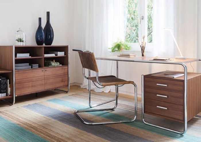 Thonet's tubular classics remain in the company's product range. Shown are the S285 desk by Marcel Breuer (1935); Mart Stam's Cantilever Chair S33 (1926); sideboard S290 (2014) by the Thonet design team