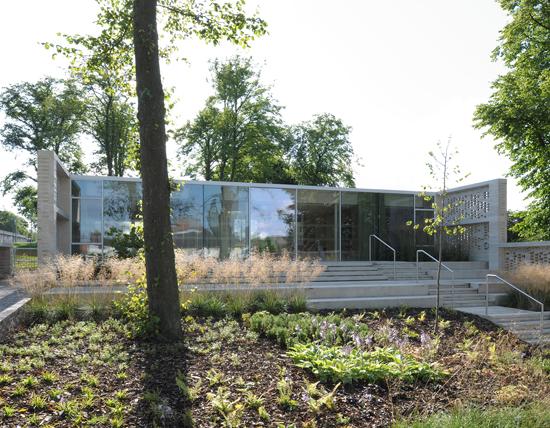 Maggie's-Centre-Lanarkshire-designcurial