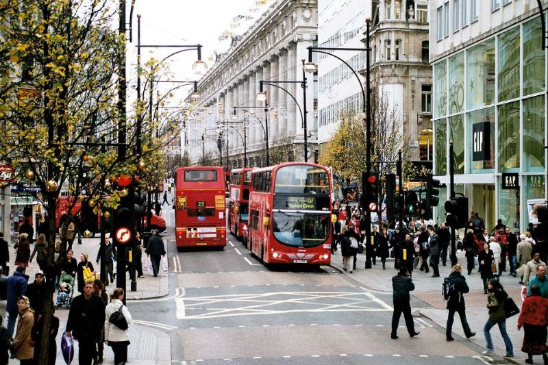 Výsledek obrázku pro small street in london