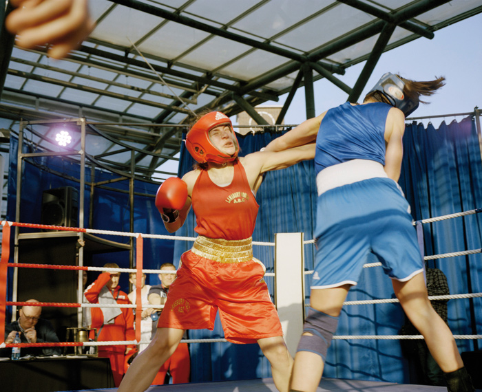 The Decorators' project involved a variety of initiatives to emphasise Poplar market as a public and civic space, including a boxing match. Photo Credit: Philipp Ebeling