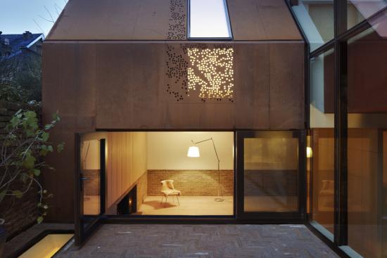 Kew House By Piercy & Company