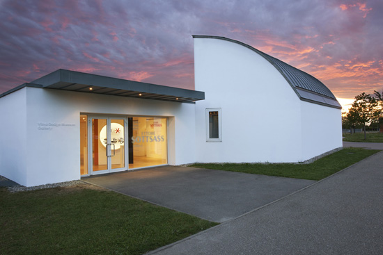 Vitra-Design-Museum-Frank-Gehry-designcurial