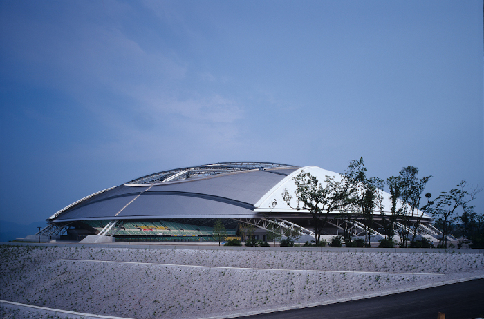 Oita Bank Dome. Photo by Koji Kobayashi