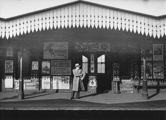 Kentish Town station, London 1936 (c) Edwin Smith, RIBA Library Photographs Collection