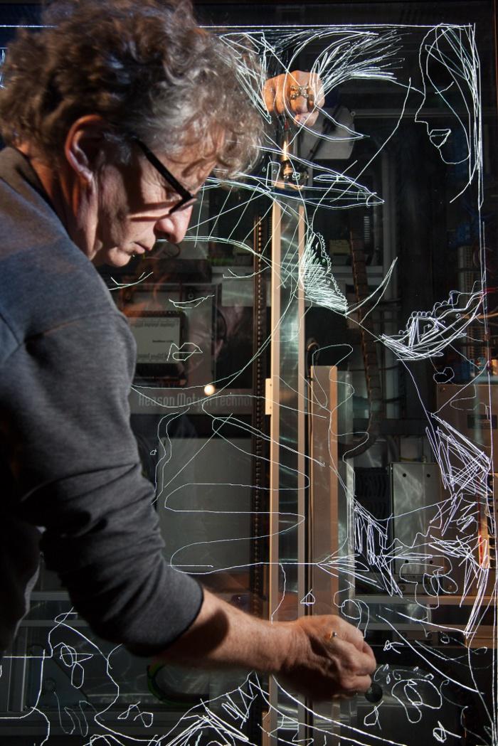 Ron arad presents collaborative art project last train for Javier mariscal design