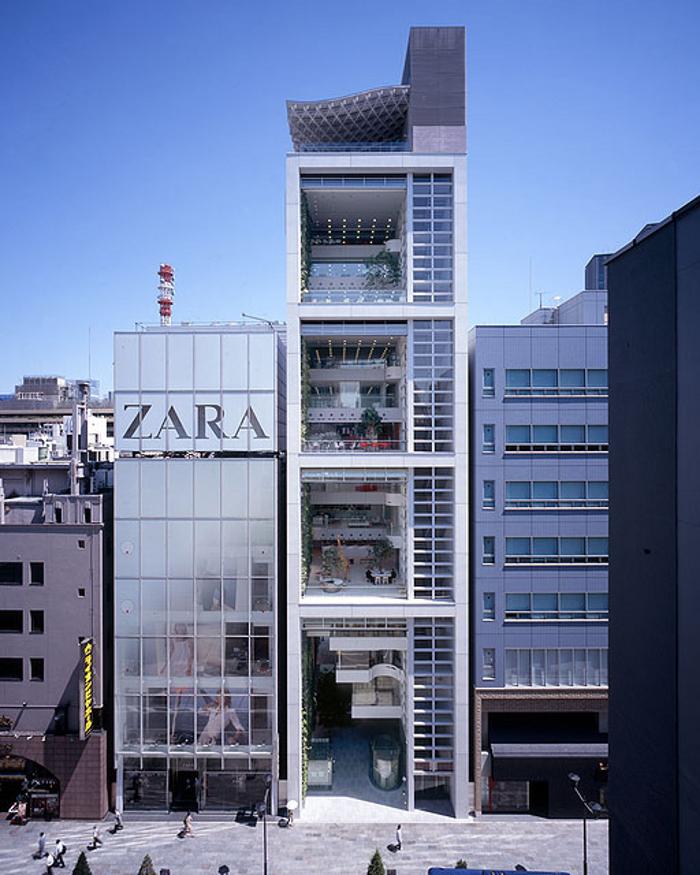 Japanese architect shigeru ban wins pritzker architecture for Architecture ephemere shigeru ban