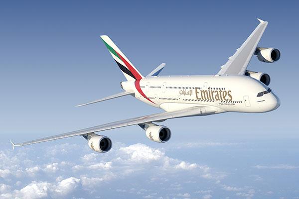 Emirates EK 211