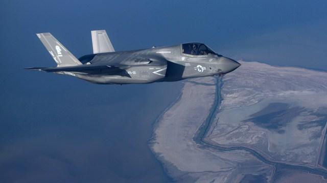 F-35 refuel