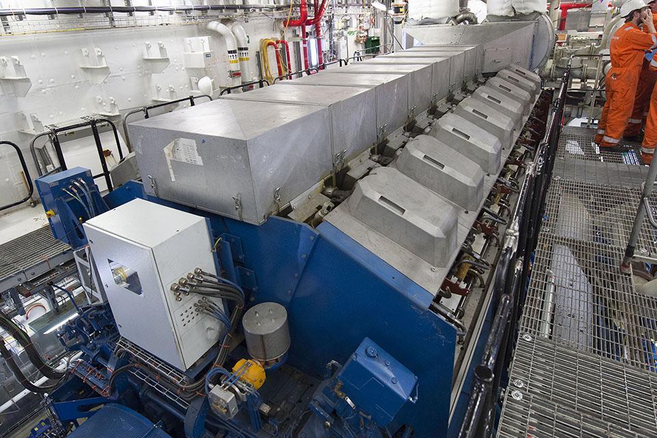 generator _ HMS Queen Elizabeth
