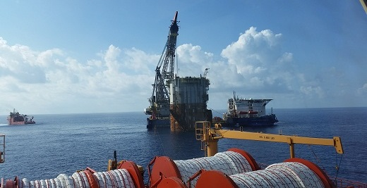 Offshore hook up jobs