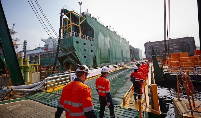 hook up phase offshore Korchagina phase ii construction manifold, jumpers and subsea controls system, offshore hook-up and offshore commissioning for jangkrik (jkk.